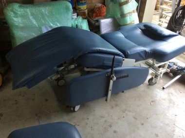renal dialysis chairs/birthing chairs